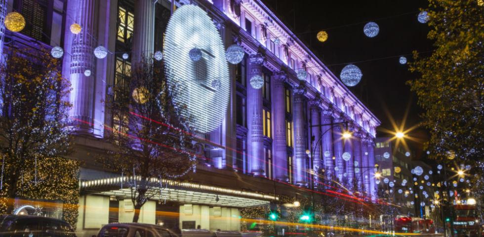 Ez tényleg igaz: Londonban megnyílt a világhírű áruház karácsonyi vására