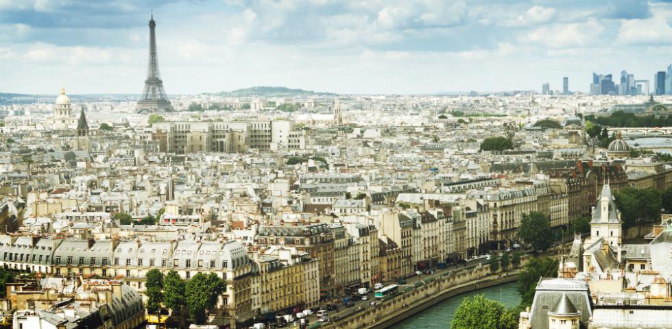 Meztelelenre vetkőzik Párizs – ma ér pucérkodni a francia fővárosban