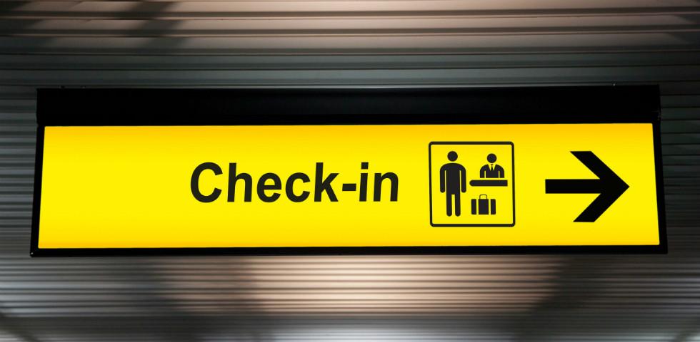 Elképesztő, mit tett a reptér biztonsági őre, azonnal kirúgták! Videó