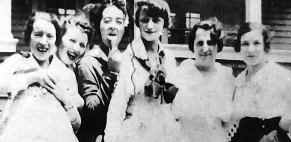 A szellemlányok elfeledett története, akiknek halála ezer munkás életét mentette meg